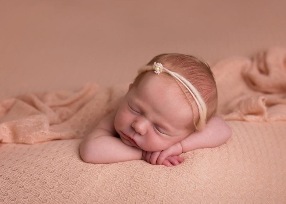 Newborn_beanbag_pose